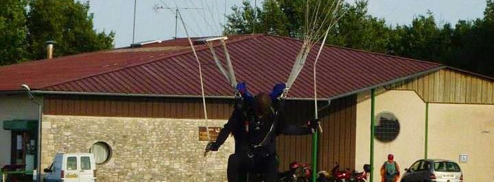 Discipline du parachutisme : la précision d'atterrissage