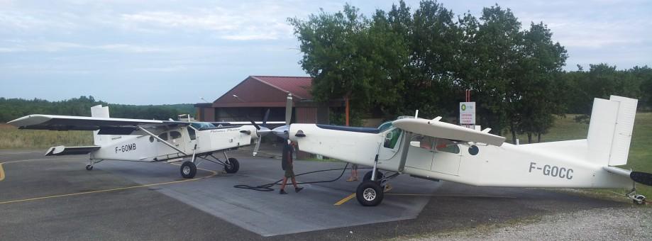 Les avions : Pilatus PC-6 F-GOMB et F-GOCC
