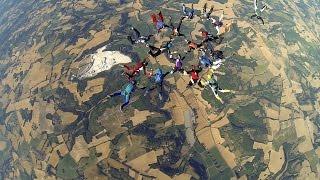 Grande formation parachutisme VR20 à BOULOC Skydive
