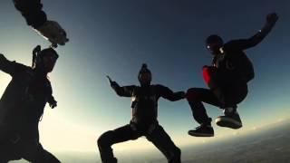 Le parachutisme à Bouloc [LilianG. Prod]