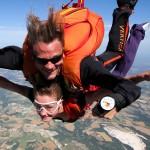 Découvrir le parachutisme : le saut en tandem